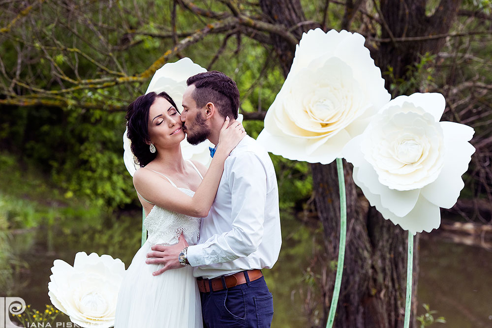 Professional wedding photography full of emotions. Professional wedding photographer for marriage, wedding, marriage registration, price, value. Photographers Service. Wedding photos, making photobooks from your wedding.