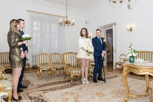 Happiness. Beauty Bride, photos civil marriage. True love. Happy woman. Marriage registration USC Pruszkow, romantic photo session. Professional wedding photographer in Warsaw, wedding photos. Hands of a bride with a ring and a beautiful wedding manicure.