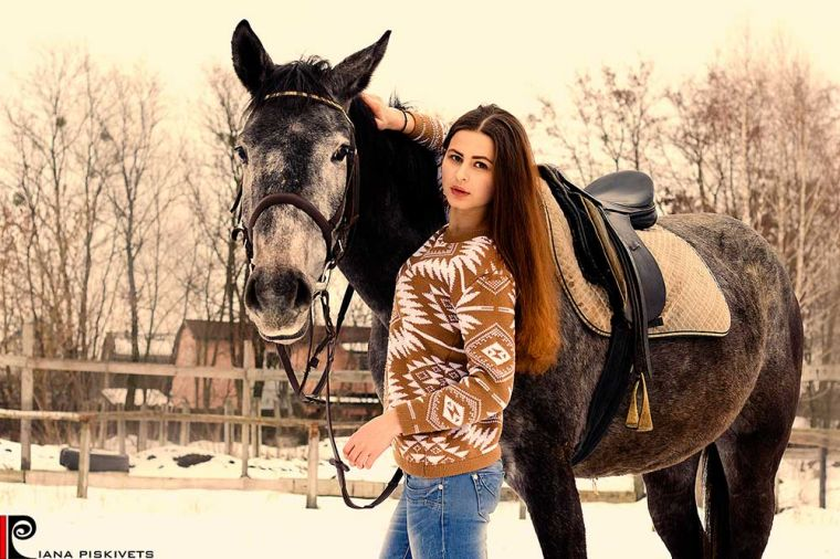 Natasha - a girl and a horse
