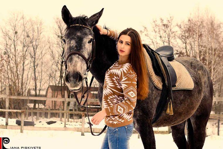 Наташа - фотосессия с лошадью