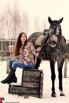 Ciekawe pomysły na sesje z koniem. Pomysły na sesje zdjęciową z koniem, sesja na koniach, zdjęcia plenerowe na koniu, ślubny plener na koniu, Fotografia koni, zdjęcia koni, sesja zdjęciowa kobieca Warszawa