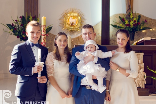 Photographer child and family baptism.