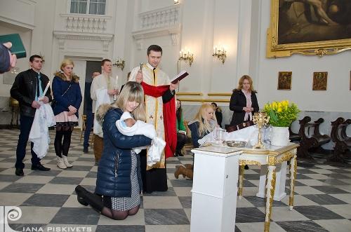 dziecięca fotografia w kościele