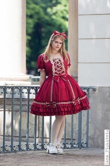 Professional photo session in Warsaw - Sweet Lolita. A Lolita Fashion and lifestyle blog. All about Gothic Lolita, Classic Lolita, Sweet Lolita, and other Japanese and other alternative fashion trends!