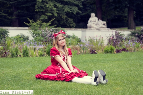 Professional photo session in Warsaw! A Lolita Fashion and lifestyle blog. All about Gothic Lolita, Classic Lolita, Sweet Lolita, and other Japanese and other alternative fashion trends!