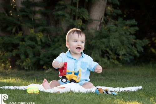 Дитячий і сімейний фотограф в Варшаві Польща - послуги професійної дитячої та сімейної фотозйомки. Фотосесії для дітей, сімейні фотосесії в парку Лазенки Королівські в Варшаві.