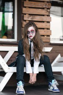 Halloween - Fotograf w Warszawie proponuję sesje w tematyce Halloween. W sobotę zaprosiłam kilku moich znajomych modeli i modelki, żeby wypróbować moje pomysły. Fotograf Warszawa, Polska. Przebranie i stylizacja na Halloween – mini sesje świąteczne! Jesie
